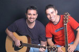 Woz 'n' Paul Acoustic Duo